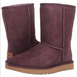 UGG Women's W Classic Short II Fashion Boot,